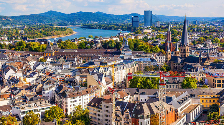 View of the city of Bonn on the Rhine (refer to: Urban centres and regions)